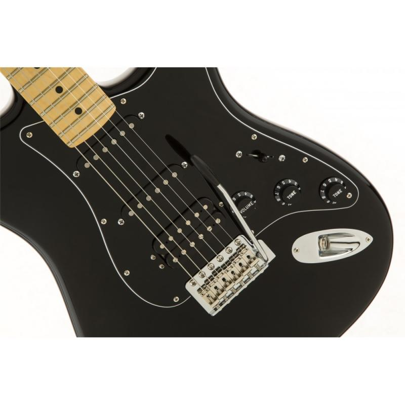 fender_american_special_stratocaster_hss_mn_black__1522935662_948